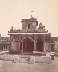 General view from the front of the Ratnachand Javherachand Temple, in the Tuk of Lalachand Modi Premchand, Satrunjaya